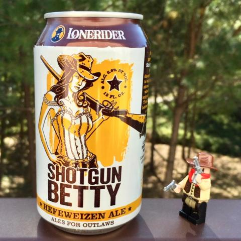 Lonerider Shotgun Betty Hefeweizen Ale