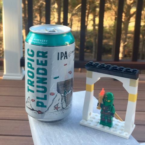 T.W. Pitchers' Tropic Plunder IPA